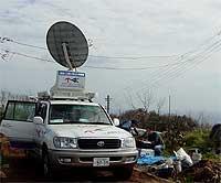 衛星インターネット中継車