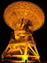 国立天文台VERA小笠原観測局 - 20m電波望遠鏡のライトアップ